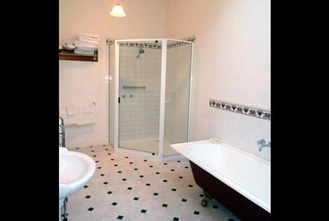 amelias-bathroom
