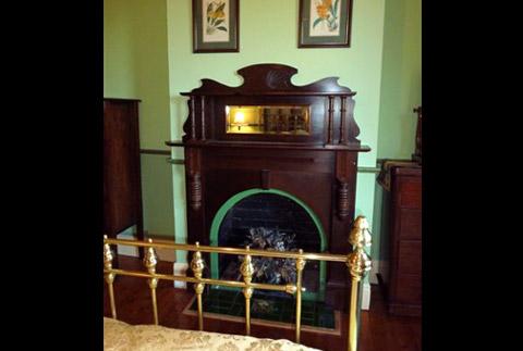 amelias-bedroom-fireplace