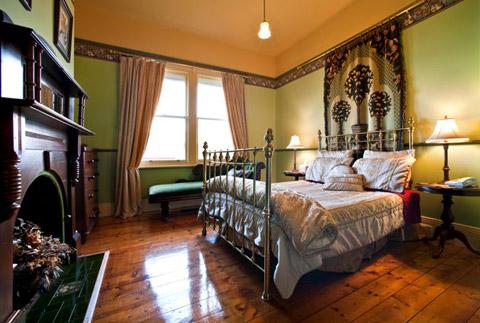 amelias-bedroom