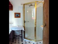 The Duck House Cottage, Bathroom