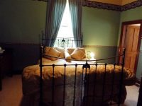 Mrs Philpott's Cottage, Main Bedroom